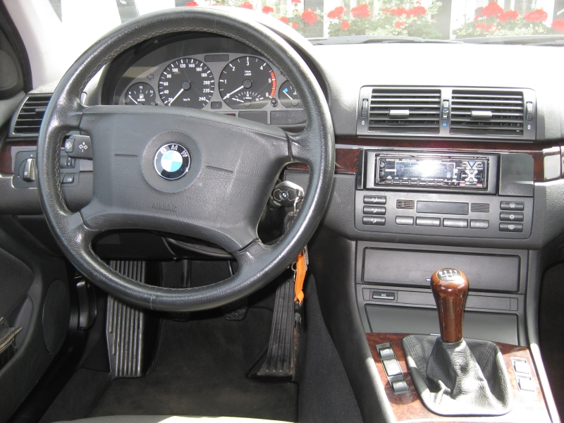 Interieur bmw e46 330d touring 162000 ez 39 02 for Bmw e46 interieur